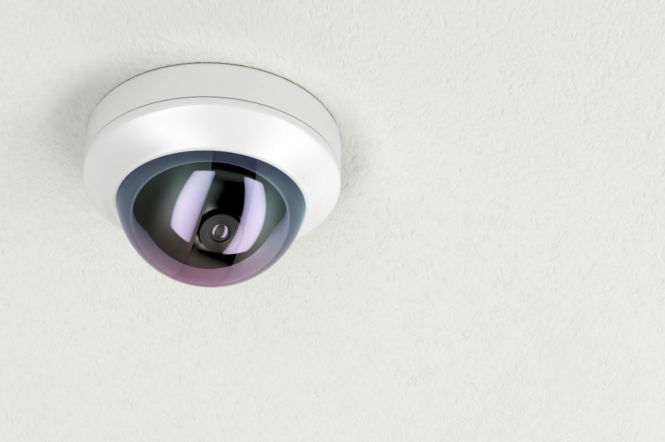 Een dome camera is geschikt als bewakingscamera buiten.